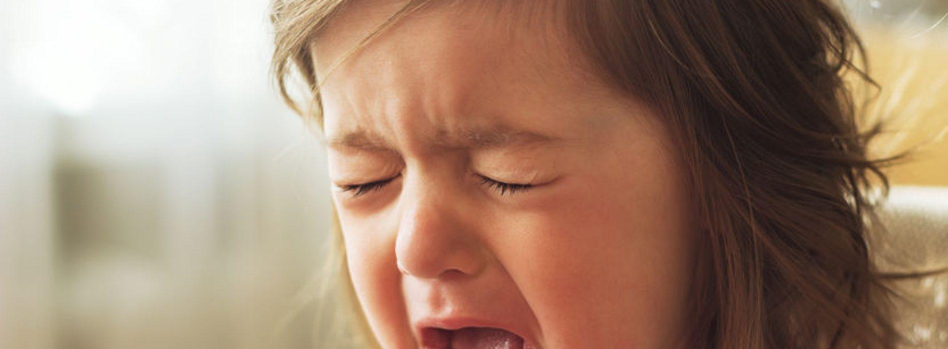 O czym świadczy bolący brzuszek malucha