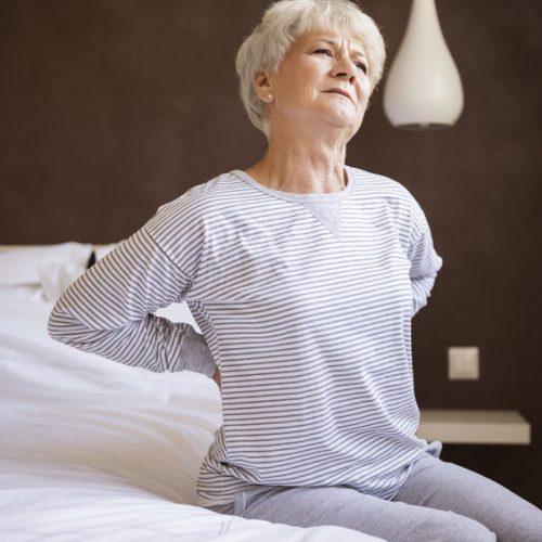 Zastosowanie kołder obciążeniowych u osób w podeszłym wieku