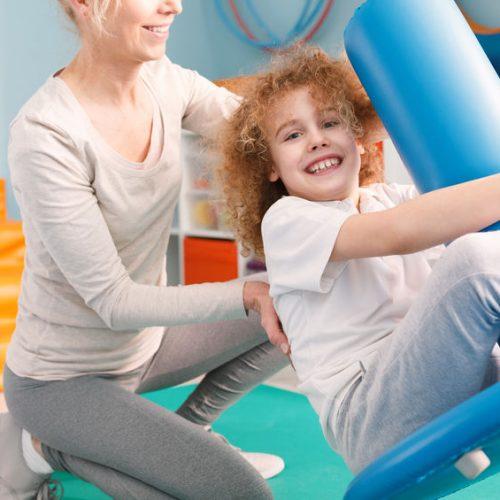 Terapia przez zabawę, czyli jak leczyć zaburzenia integracji sensorycznej