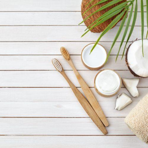 Olej kokosowy – Jakie korzyści daje stosowanie go na zęby?