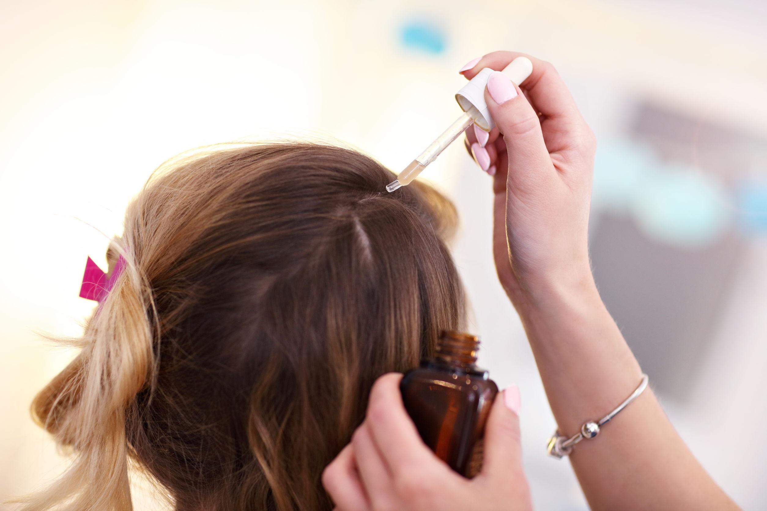 olej konopny na włosy